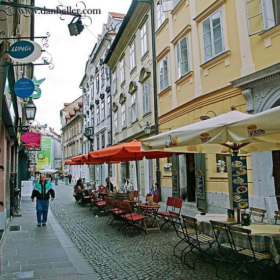 Let's Take a Traditional City Break 2: More Really Narrow Streets Than You Can Shake a Stick At